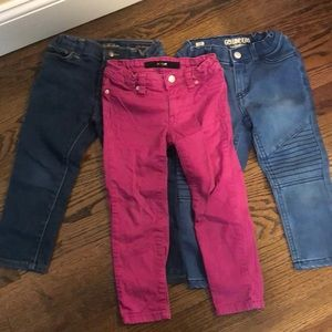 3 pairs of 3t little girls jeans.